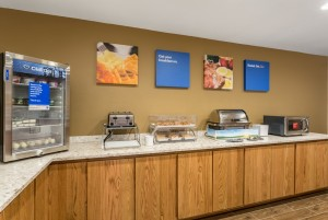 Comfort Inn & Suites Albuquerque - Breakfast Bar