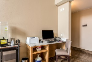 Comfort Inn & Suites Albuquerque - Business Center