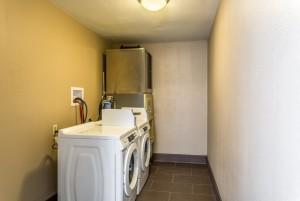 Comfort Inn & Suites Albuquerque - Guest Laundry